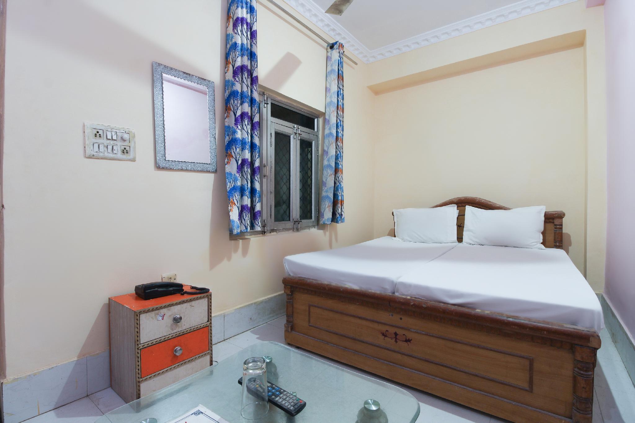 SPOT ON 60926 Hotel Sanjay Royal