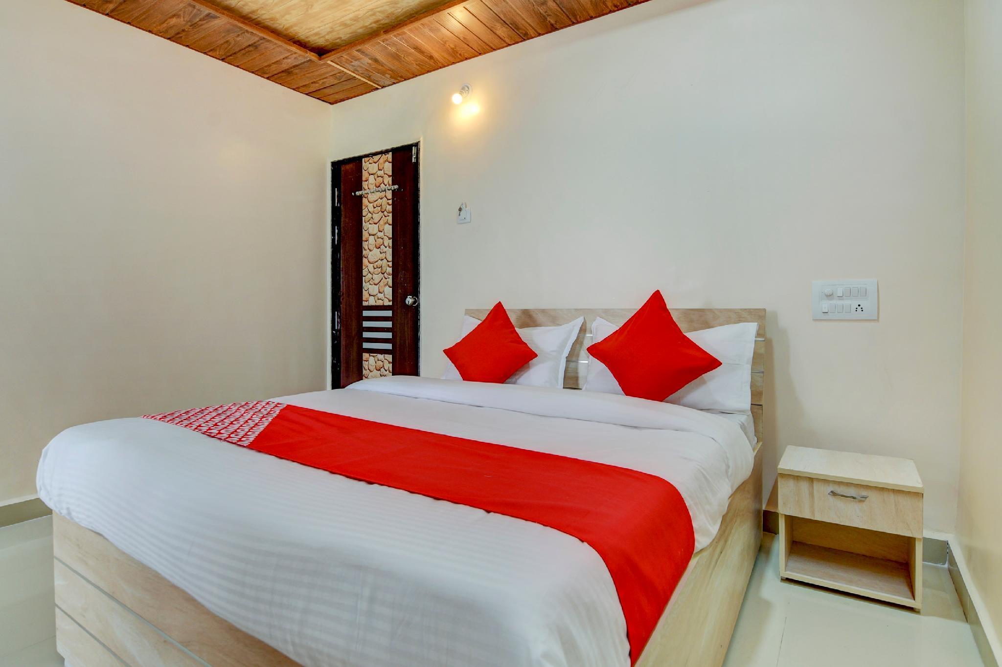 OYO 62551 Hotel Suryoday