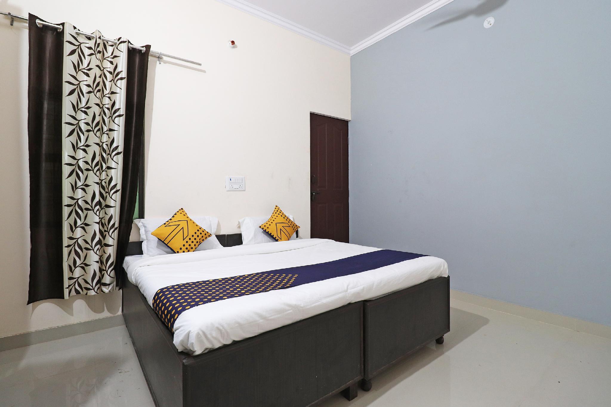 SPOT ON 61716 Rao Hotel