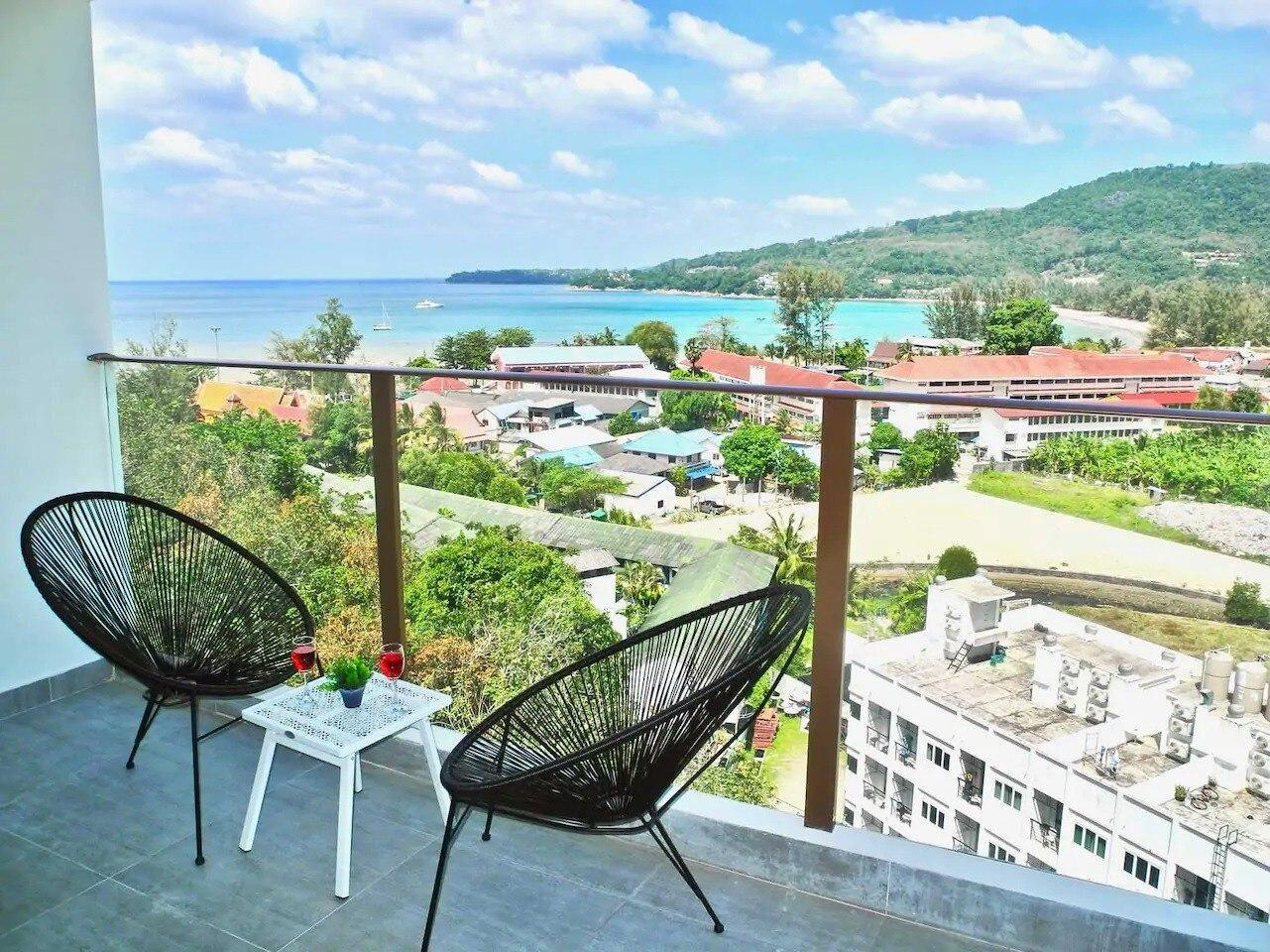 Sleek Sea View Apartment in Kamala Beach