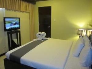 Richmond Plaza Hotel