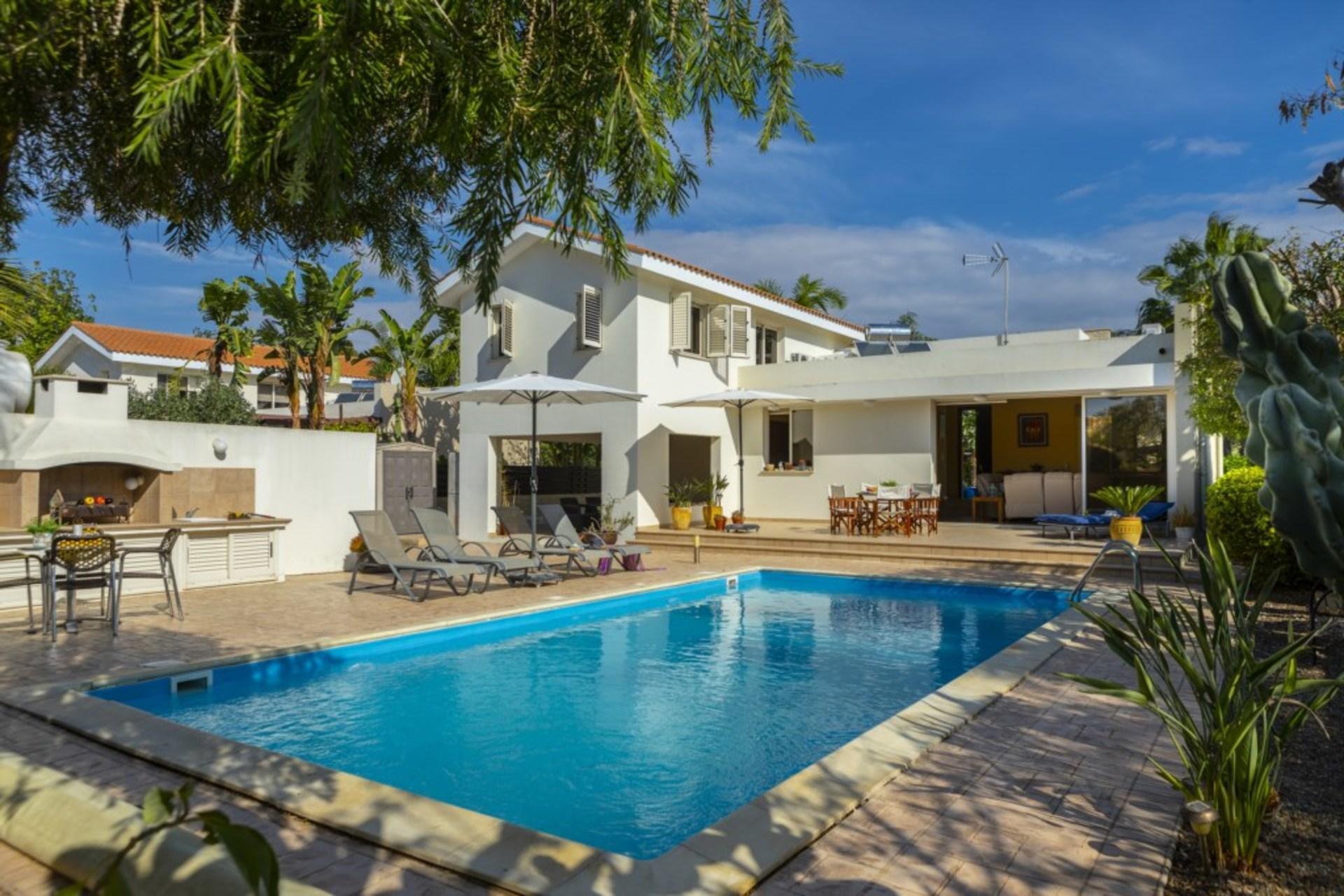 The Secret To Enjoying Your 5 Star Villa Close To The Beach Near Larnaca