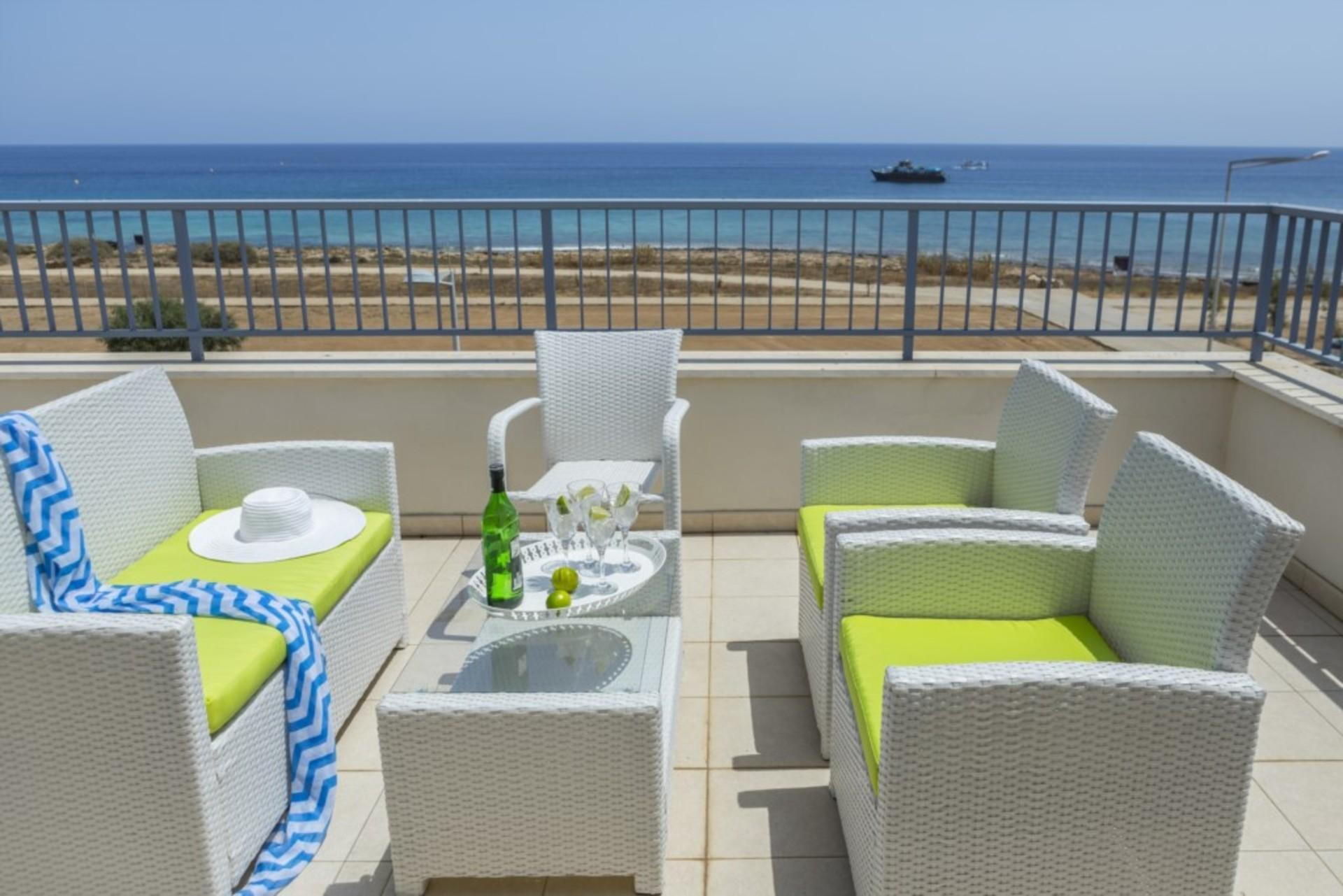 Imagine You And Your Family Renting This Perfect Villa Minutes From The Beach