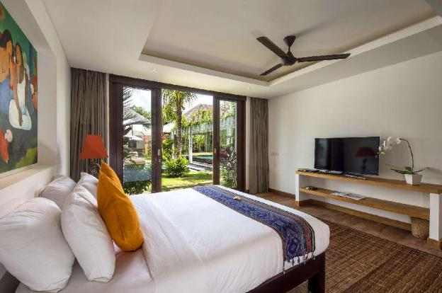 Luxury 10 Bedroom Holiday Villa in Seminyak with Private Pool, Villa Bali 2061