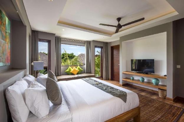 Luxury 10 Bedroom Holiday Villa in Seminyak with Private Pool, Villa Bali 2061