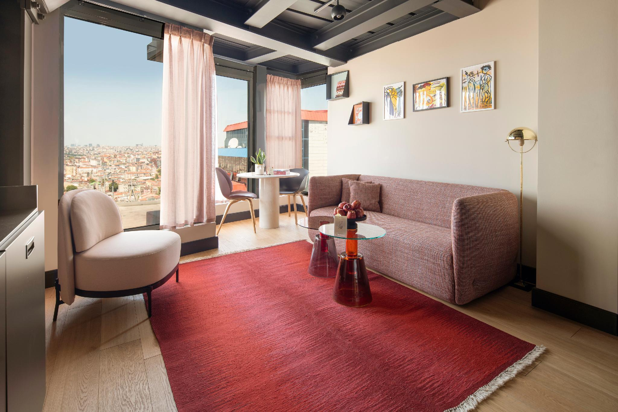 2 Bedroom Apartment With Iconic Golden Horn View