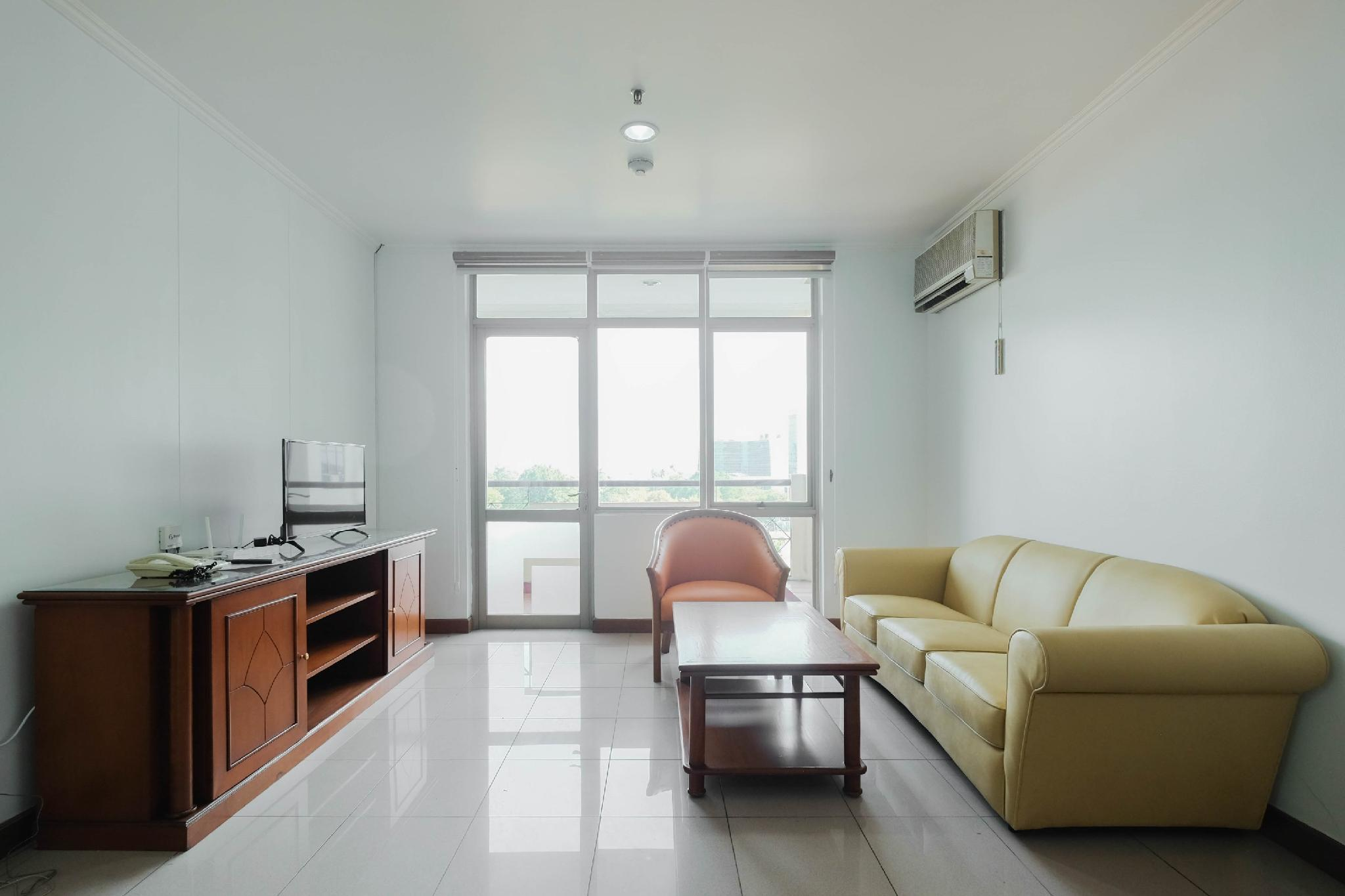 Cozy 2BR @ Pondok Klub Villa Apartment By Travelio