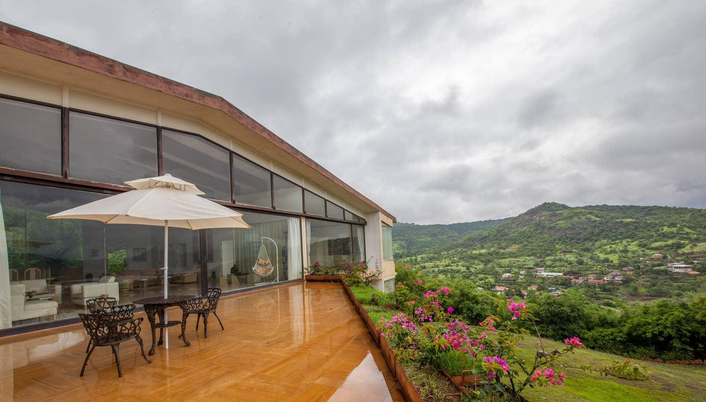 Glass House With Beautiful View