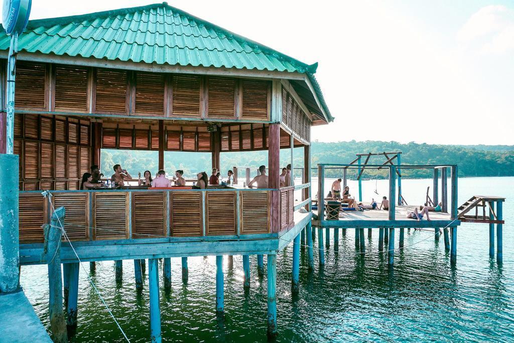 Mad Monkey Backpackers Resort Koh Rong Samloem
