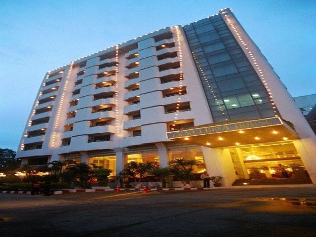 โรงแรม เอบีน่า เฮ้าส์ – Ebina House