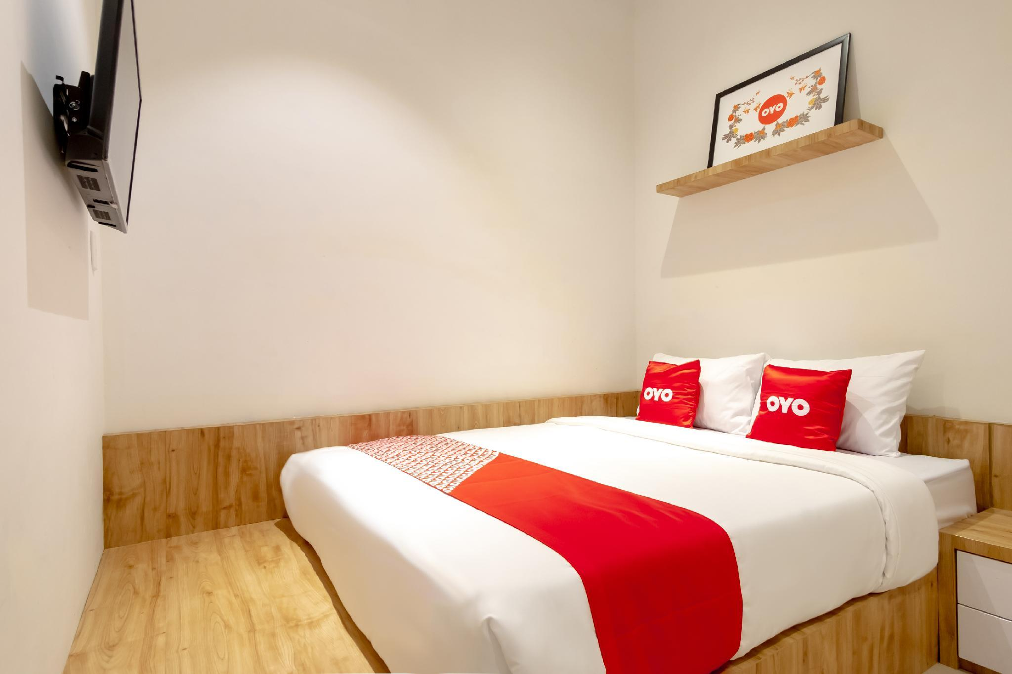 OYO 1476 Asoka Family Residence