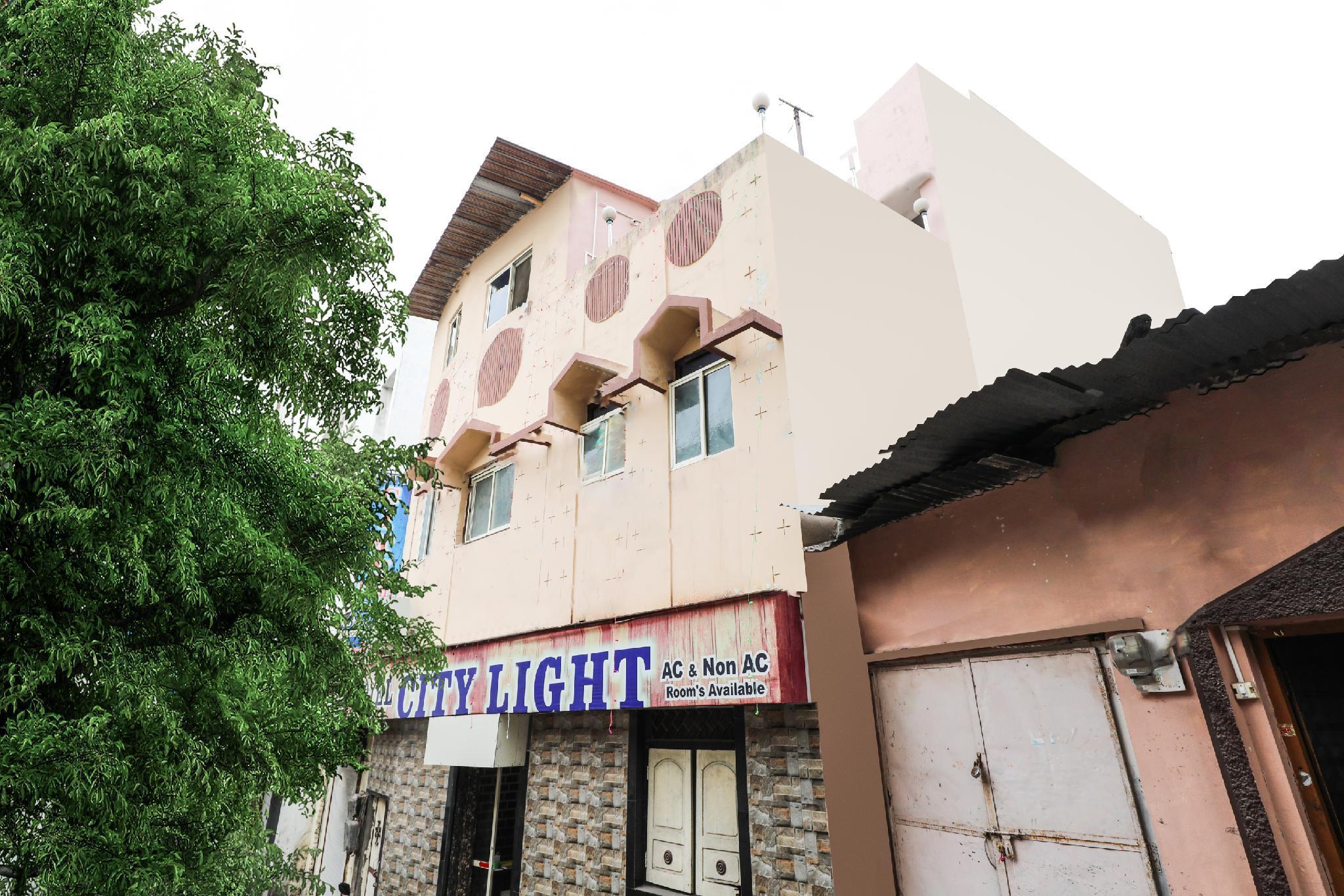 SPOT ON 63525 Hotel Citylight