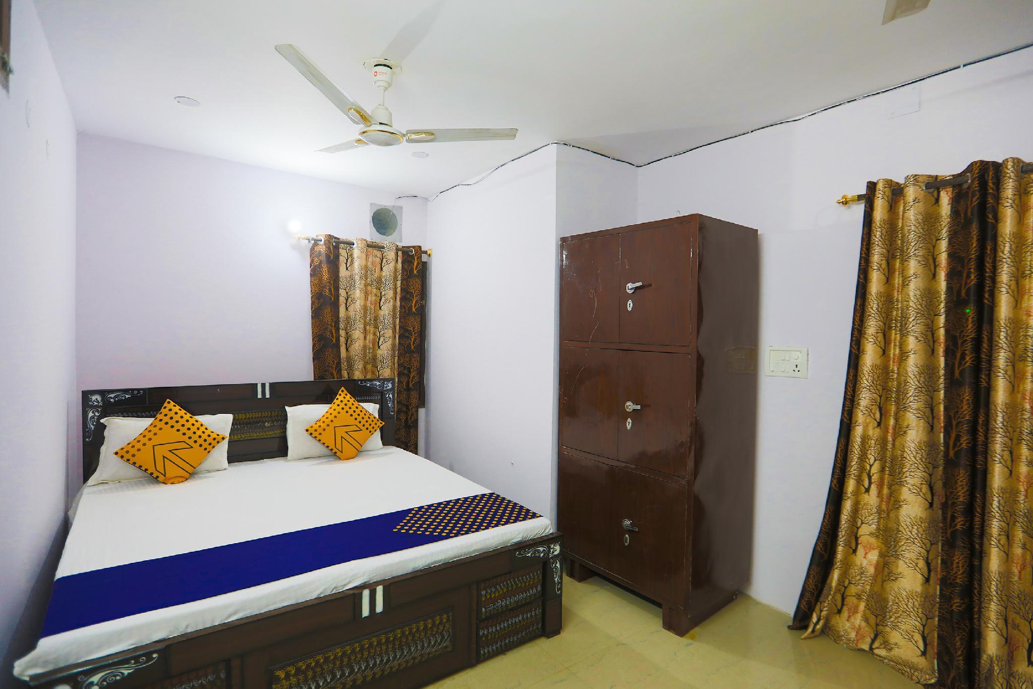 SPOT ON 62823 Aayansh Palace