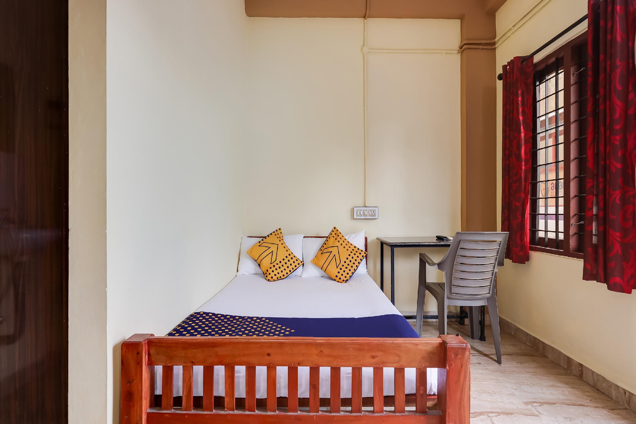 SPOT ON 63332 Poothayil Residency