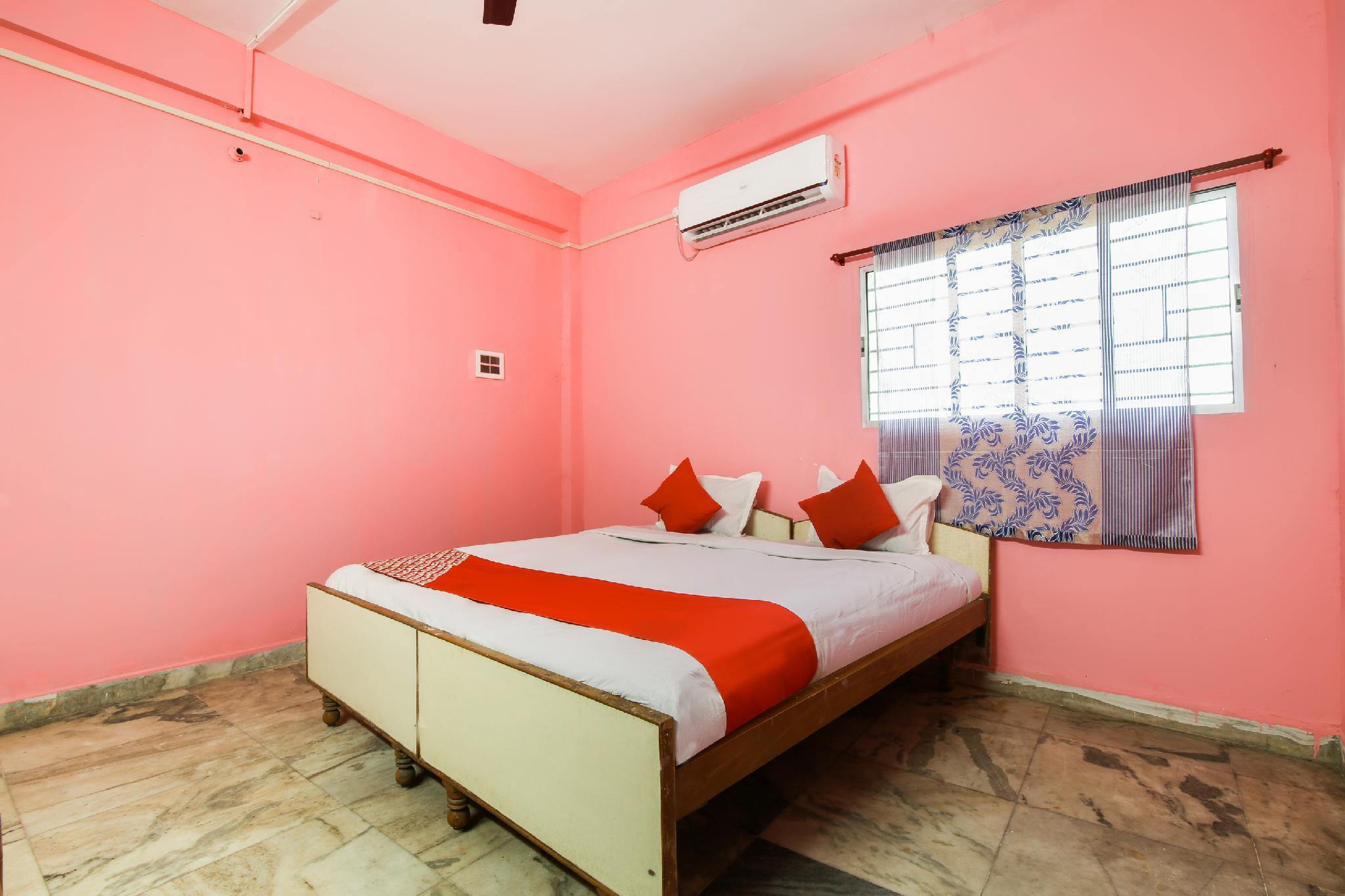 OYO 61092 Hotel Subheksha