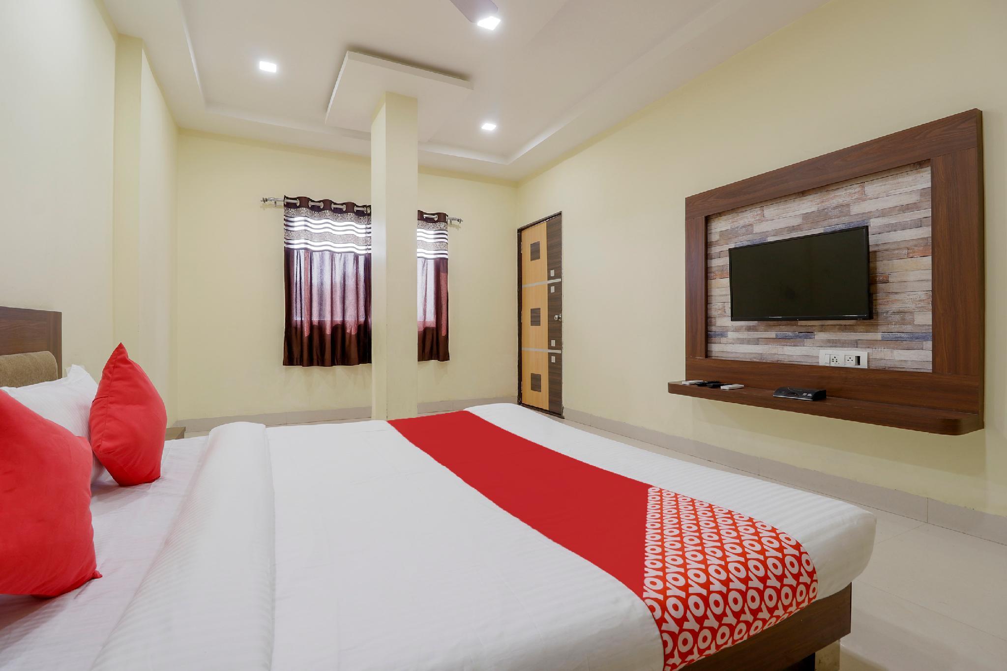 OYO 63916 Hotel Mansarover Palace