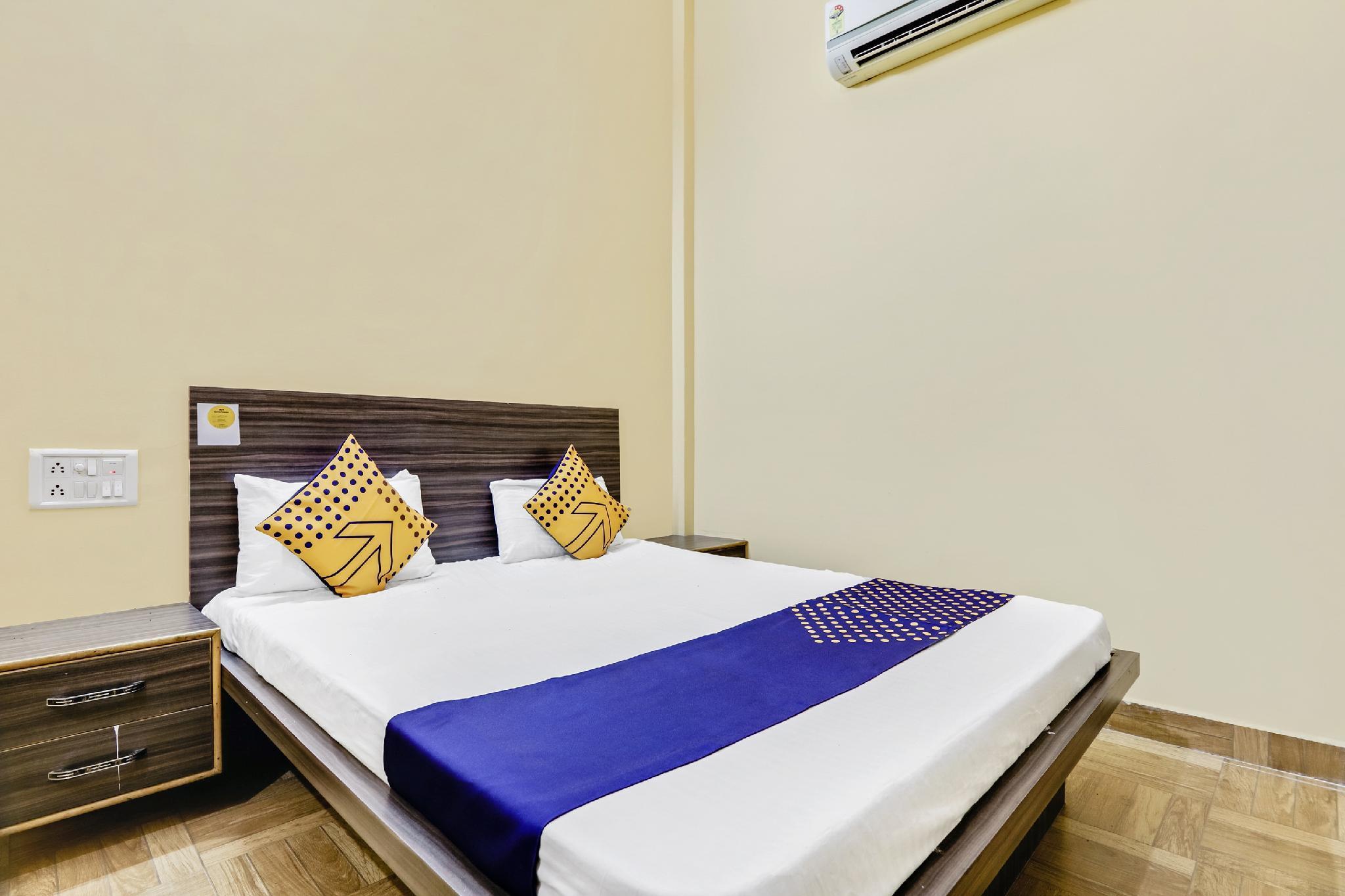 SPOT ON 62925 Hotel Shiv Shakti Palace