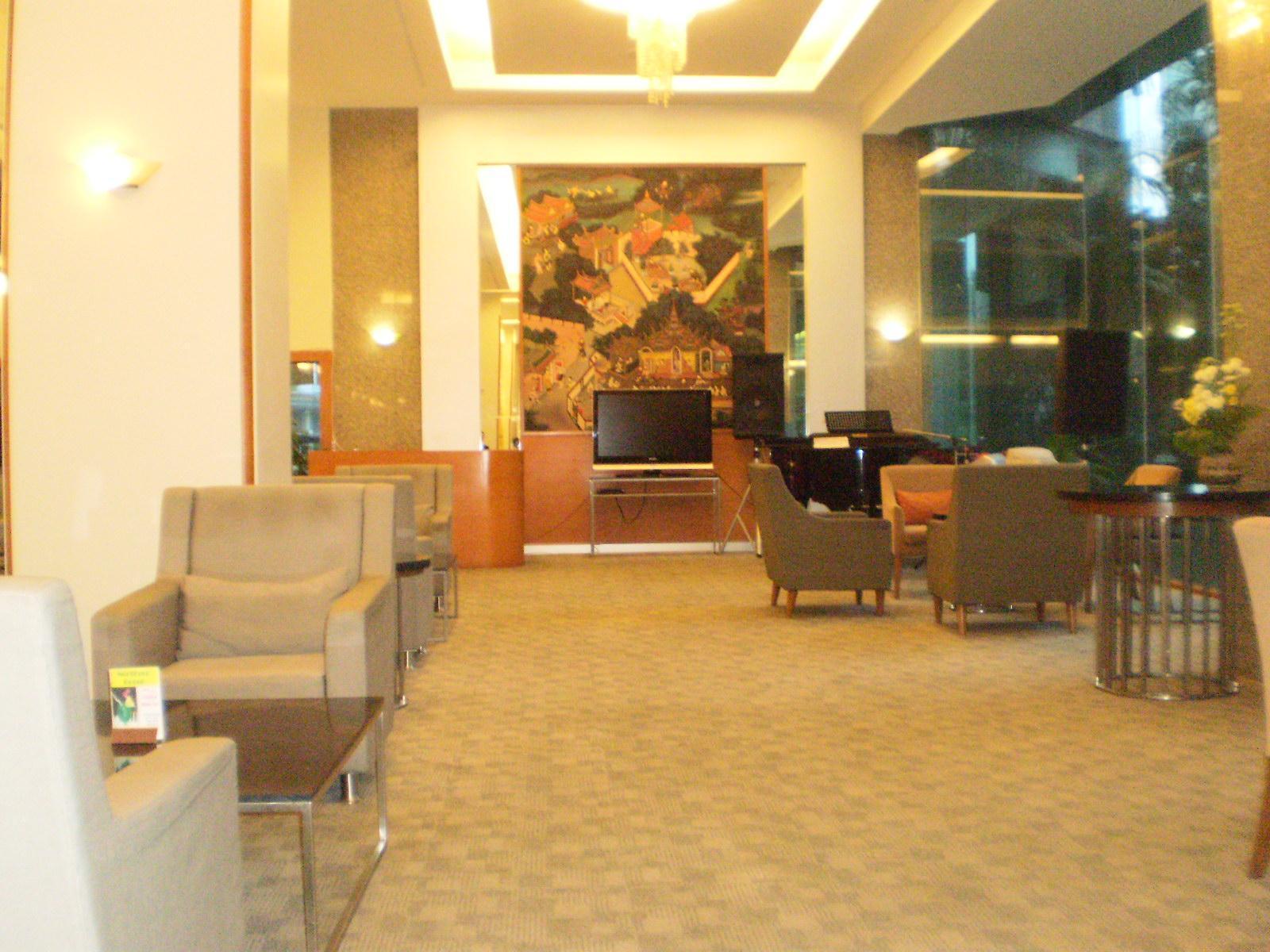 Lanna Palace 2004 Hotel โรงแรมลานนา พาเลซ 2004