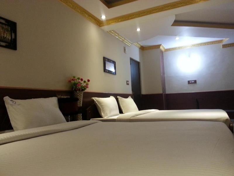 Vista Rooms At BM Road