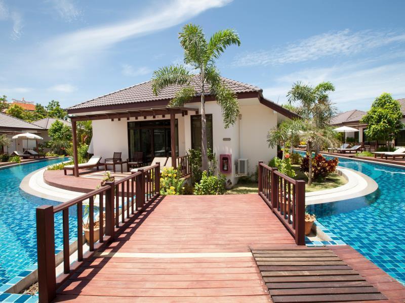 Pinnacle Grand Jomtien Resort and Beach Club พินนาเคิล แกรนด์ จอมเทียน รีสอร์ต แอนด์ บีชคลับ