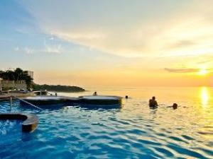 로얄 클리프 비치 호텔 바이 로얄 클리프 호텔 그룹  (Royal Cliff Beach Hotel by Royal Cliff Hotels Group)