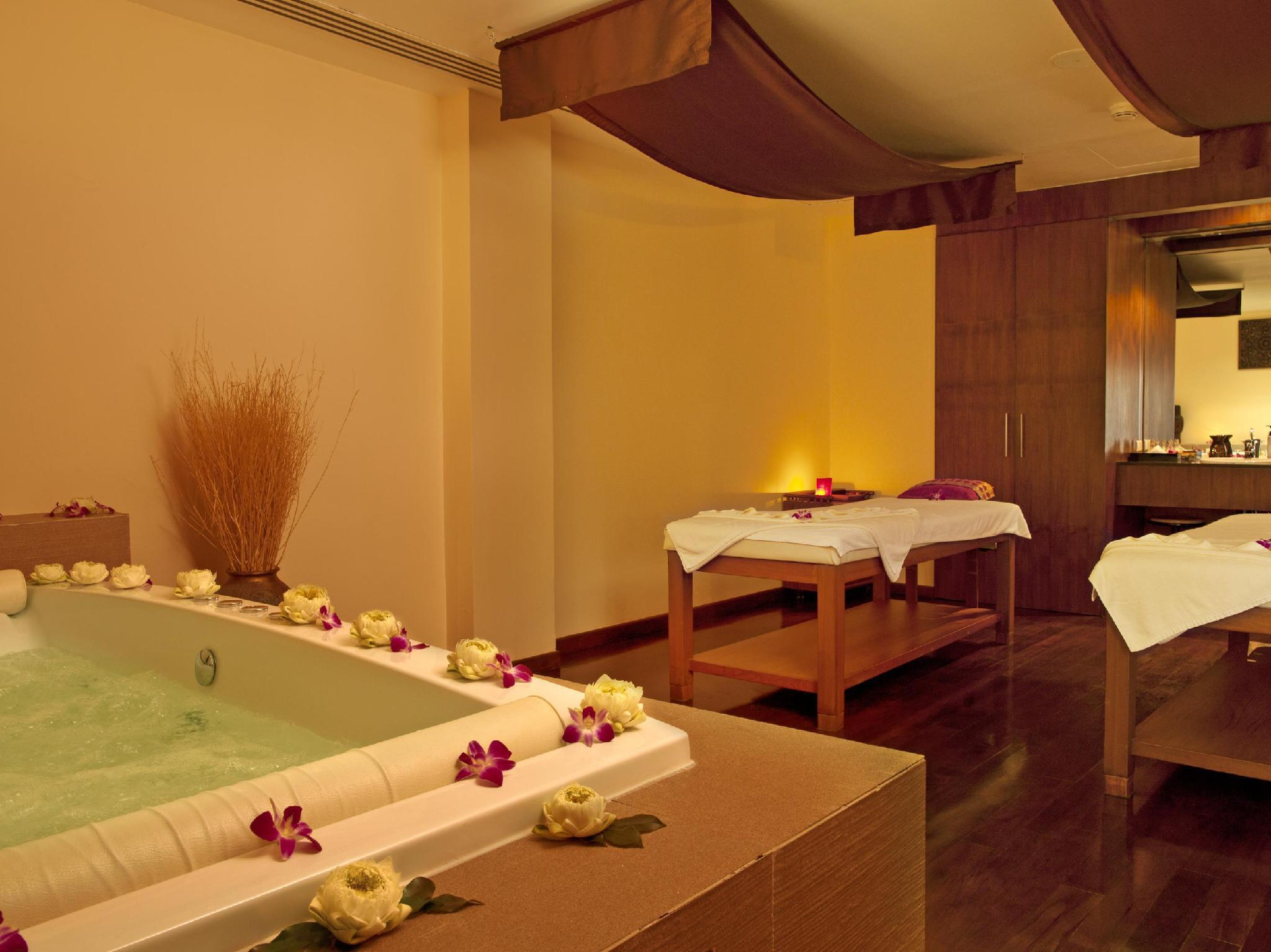 Le Méridien Phuket Beach Resort เลอ เมริเดียน ภูเก็ต บีช รีสอร์ต