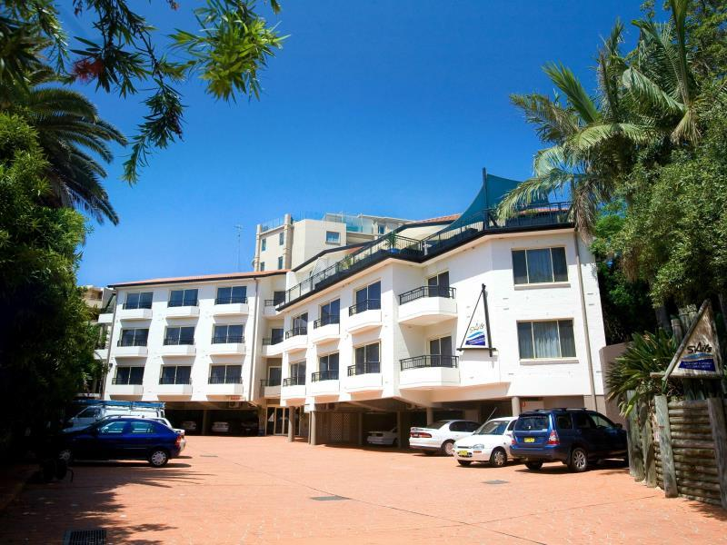 Terrigal Sails Serviced Apartments – Pictures, Rates & Deals