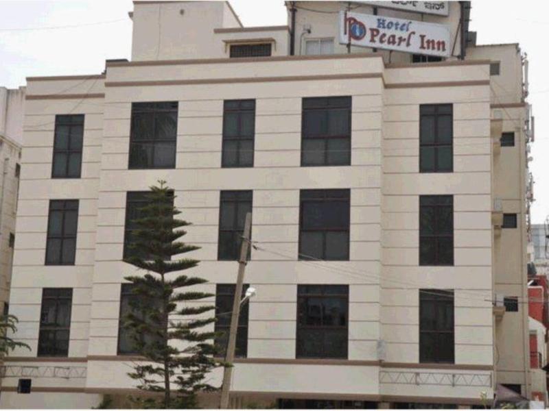 Hotel Pearl Inn
