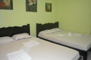 picture 2 of Ellens Resort