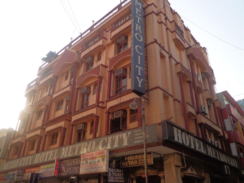 Hotel Metro City