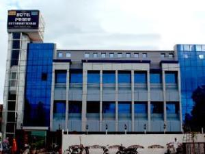 普努国际酒店 (Hotel Punnu International)