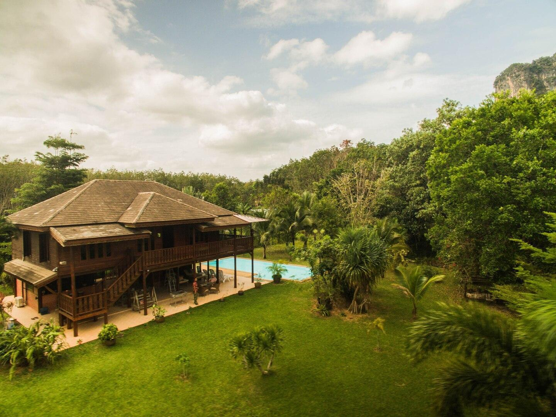 Beautiful 4 Bedroom Family Pool Villa วิลลา 4 ห้องนอน 3 ห้องน้ำส่วนตัว ขนาด 220 ตร.ม. – บ้านนายซา
