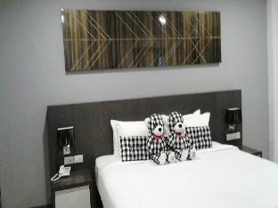 アット サコン ホテル @SAKON Hotel