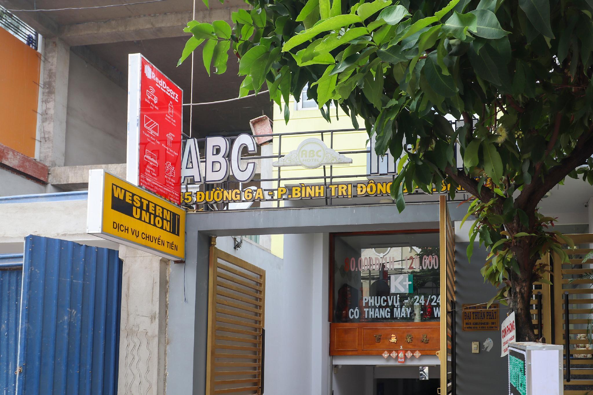RedDoorz Near Aeon Mall Binh Tan