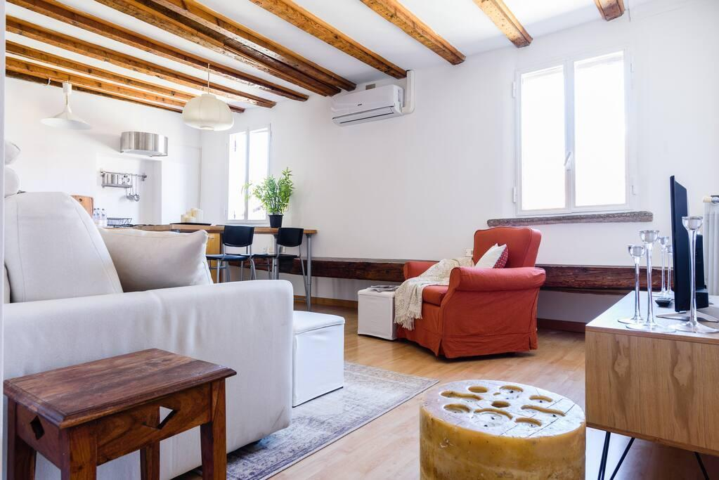 Hintown Old Town Milan Apartment