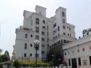 Pune Beverly Hills India, Asia