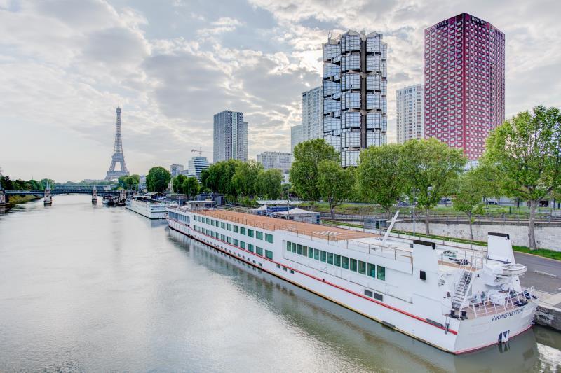 Novotel Paris Centre Tour Eiffel Hotel