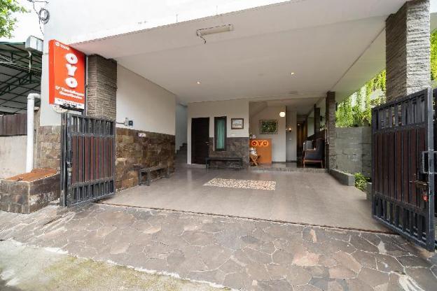 OYO 2438 D'Tamblingan Guesthouse