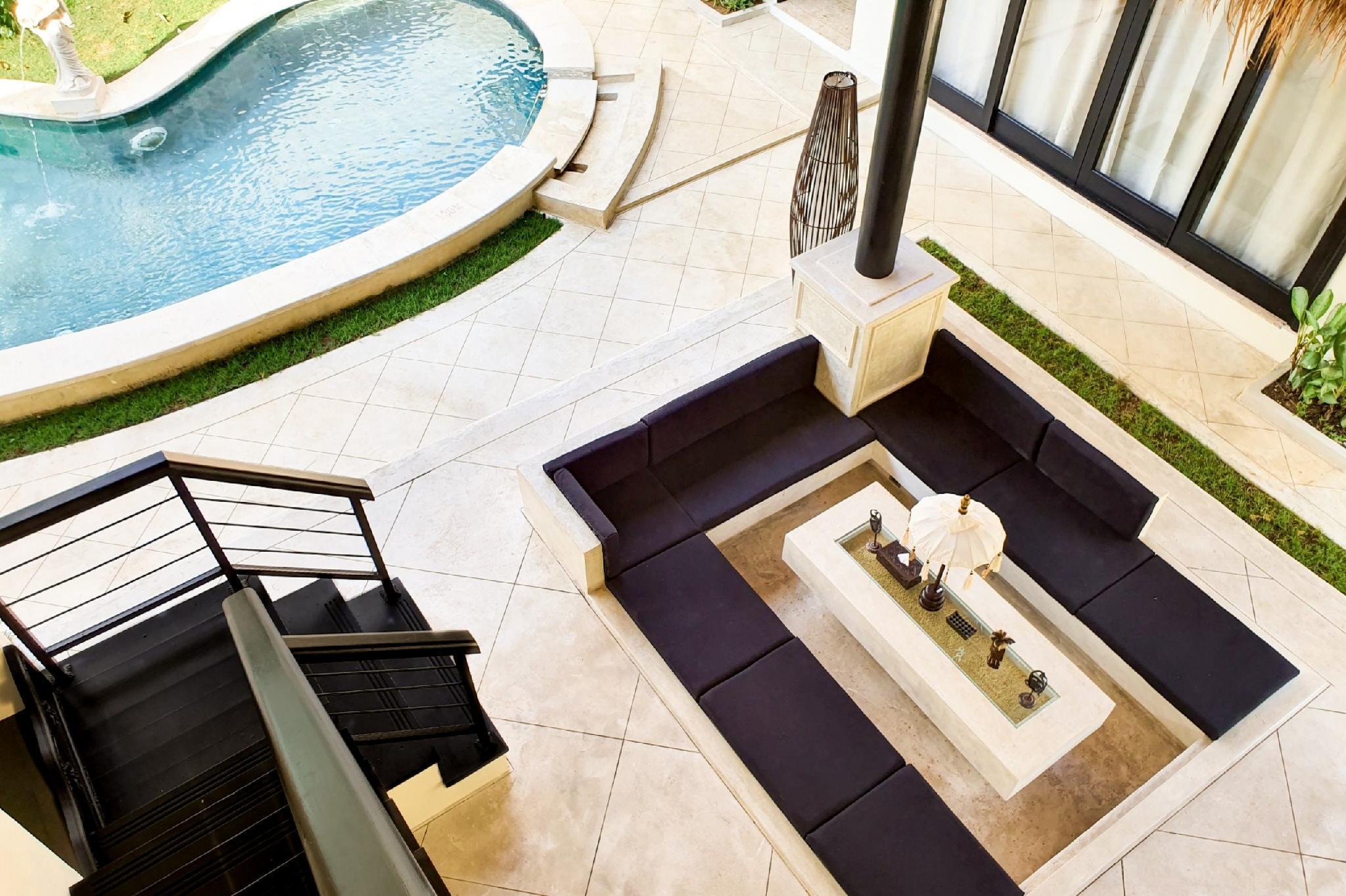 31 Luxurious 2BR Villa Lucio Selviana In Seminyak