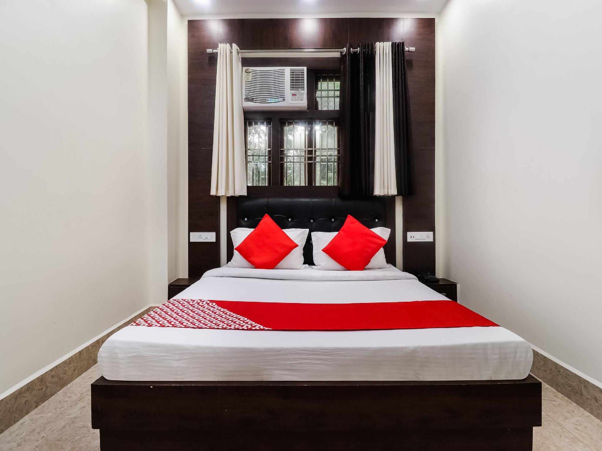 OYO 65256 Pushpa Family Guest House