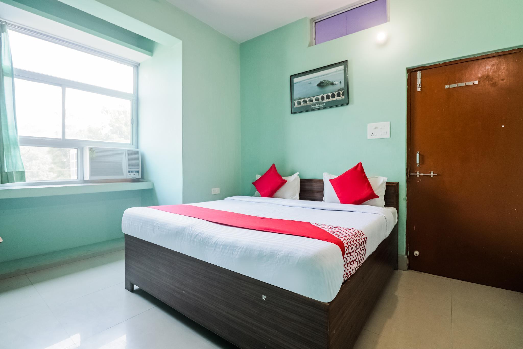 OYO 61980 Raj Shanti Guest House