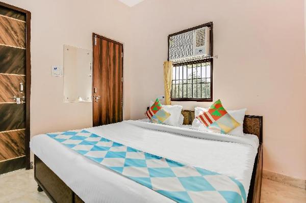 OYO Home 48022 Decent Cosy Rohini New Delhi and NCR