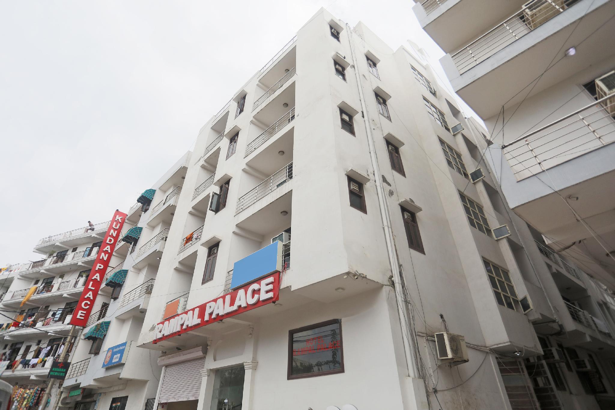 OYO 13306 Rampal Palace