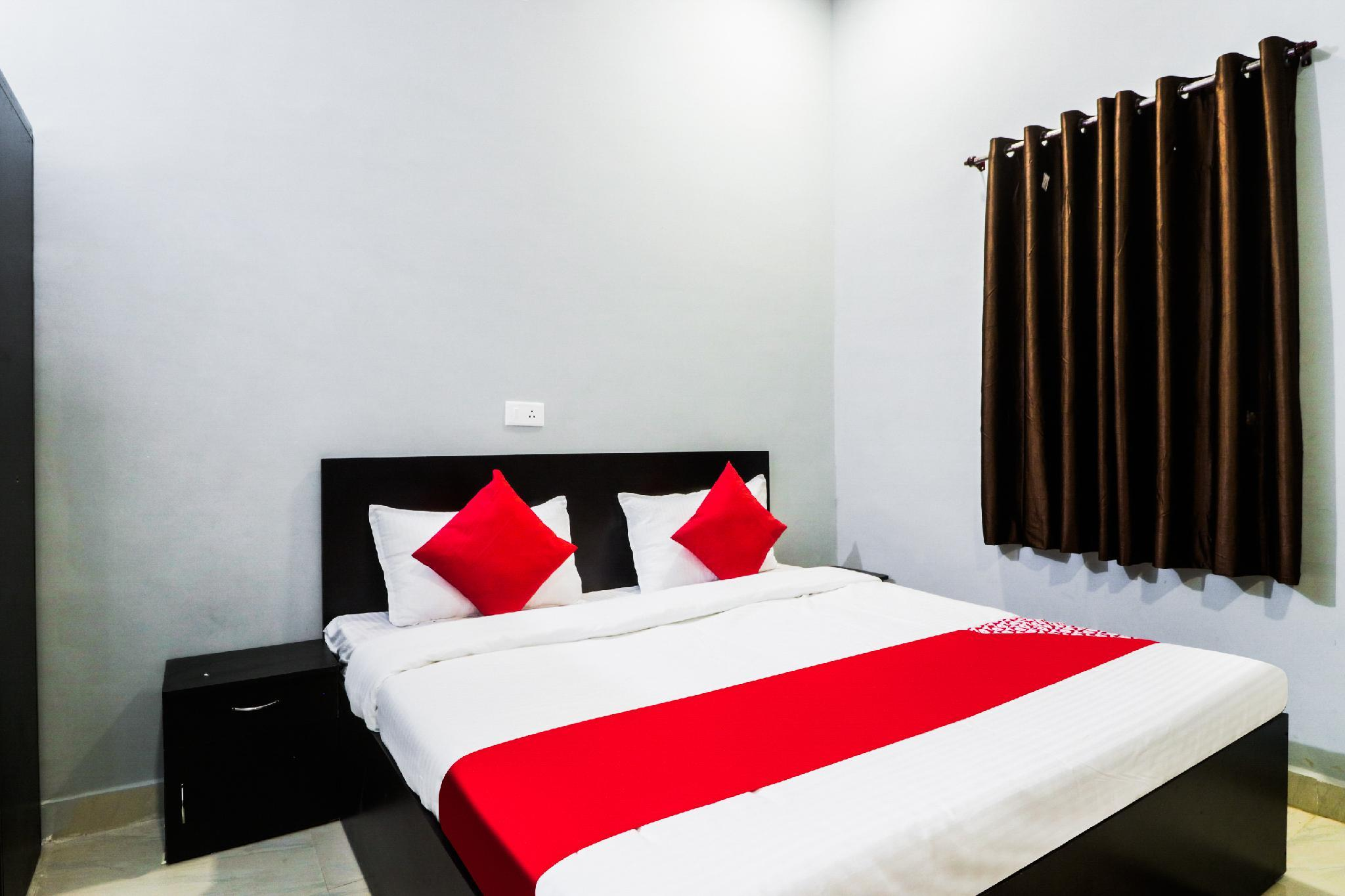 OYO 48801 Hotel Golden Leaf