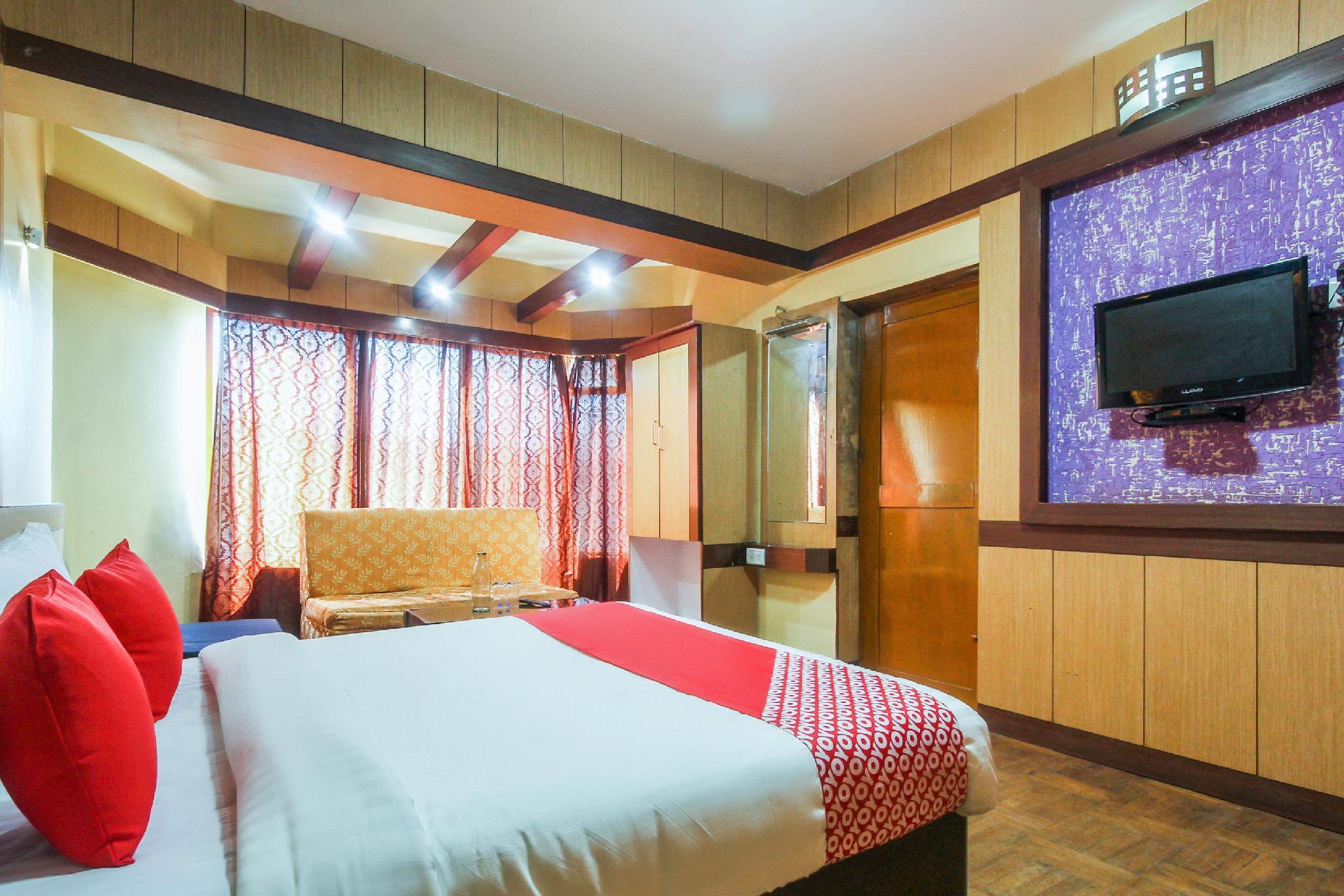 OYO Flagship 64533 Hotel Shivshanthi Inn