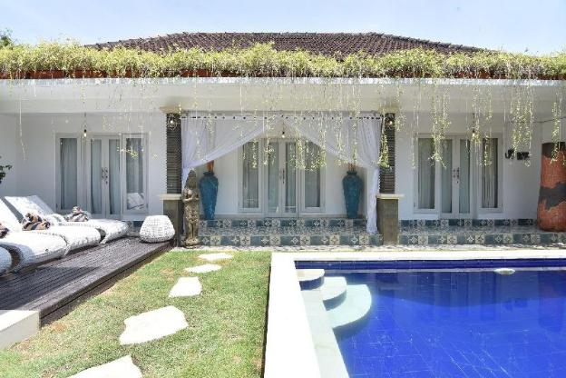 Villa Bamboo great location pool villa in Seminyak