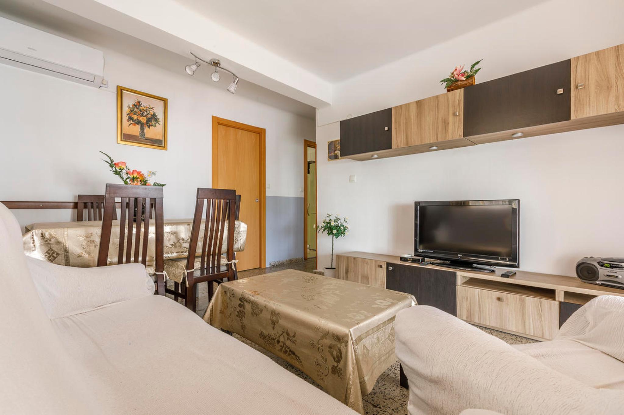 107974   Apartment In Torre Del Mar