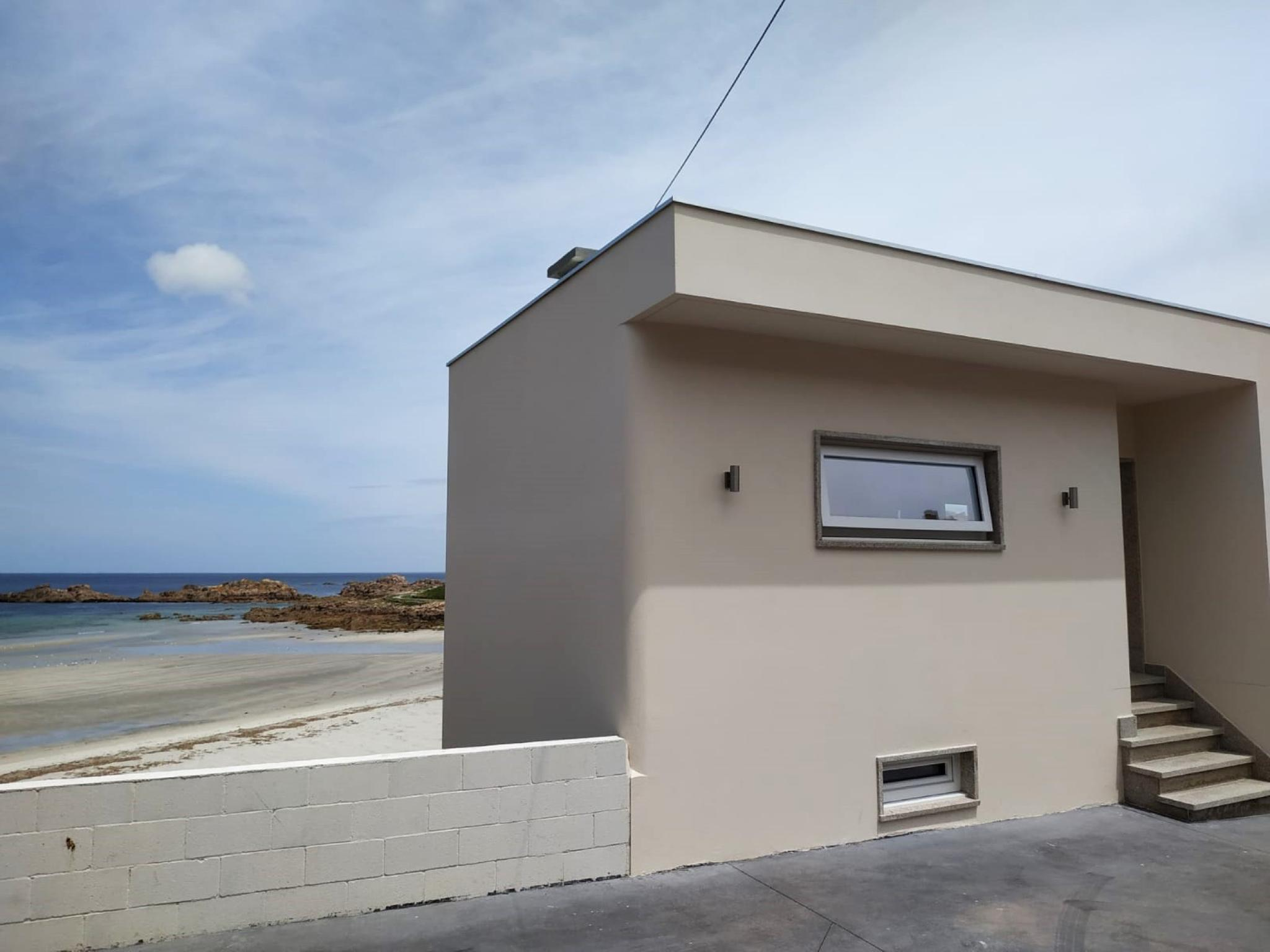 107797   House In Arou