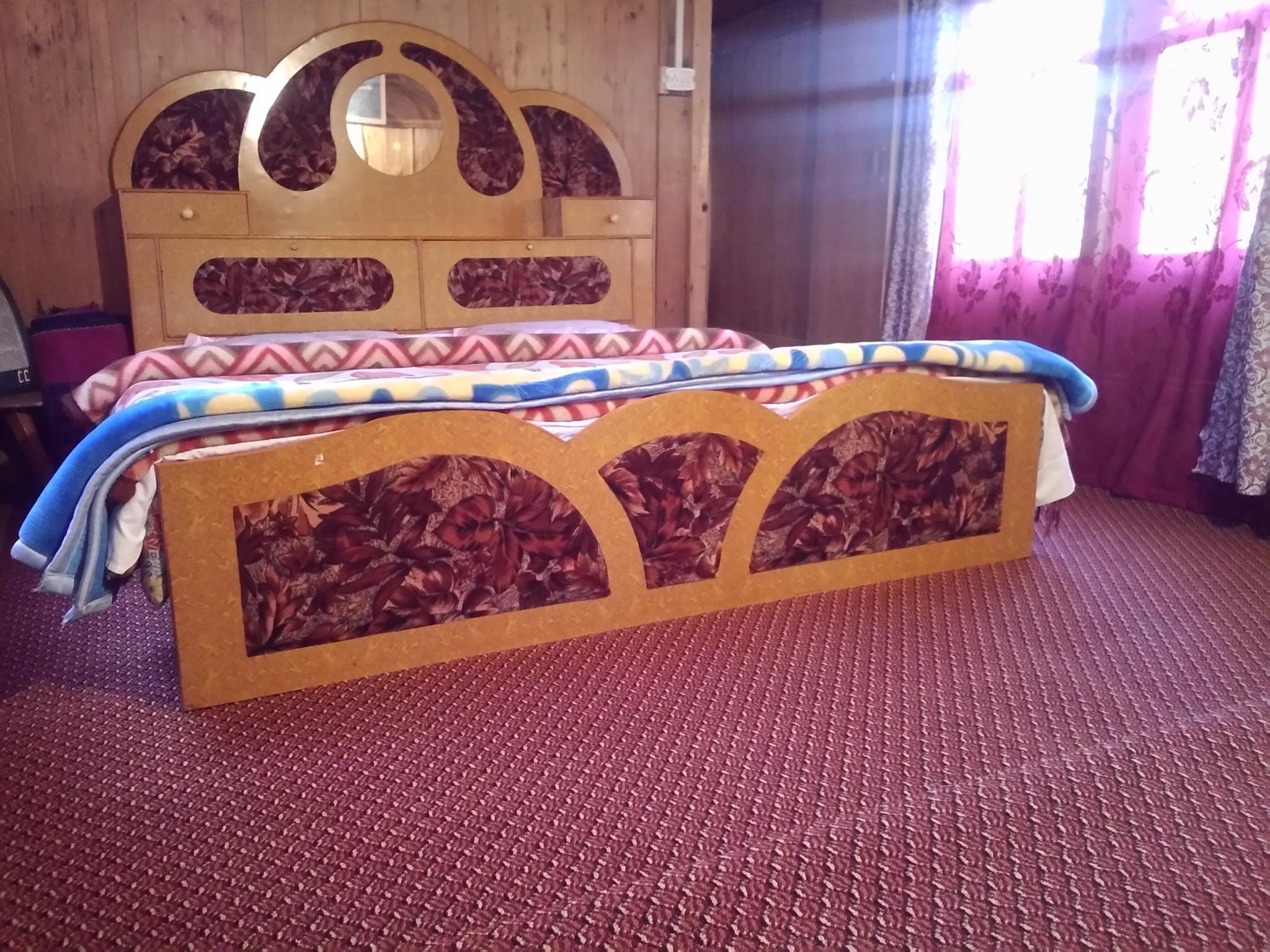 Reviews Houseboat Kohosar