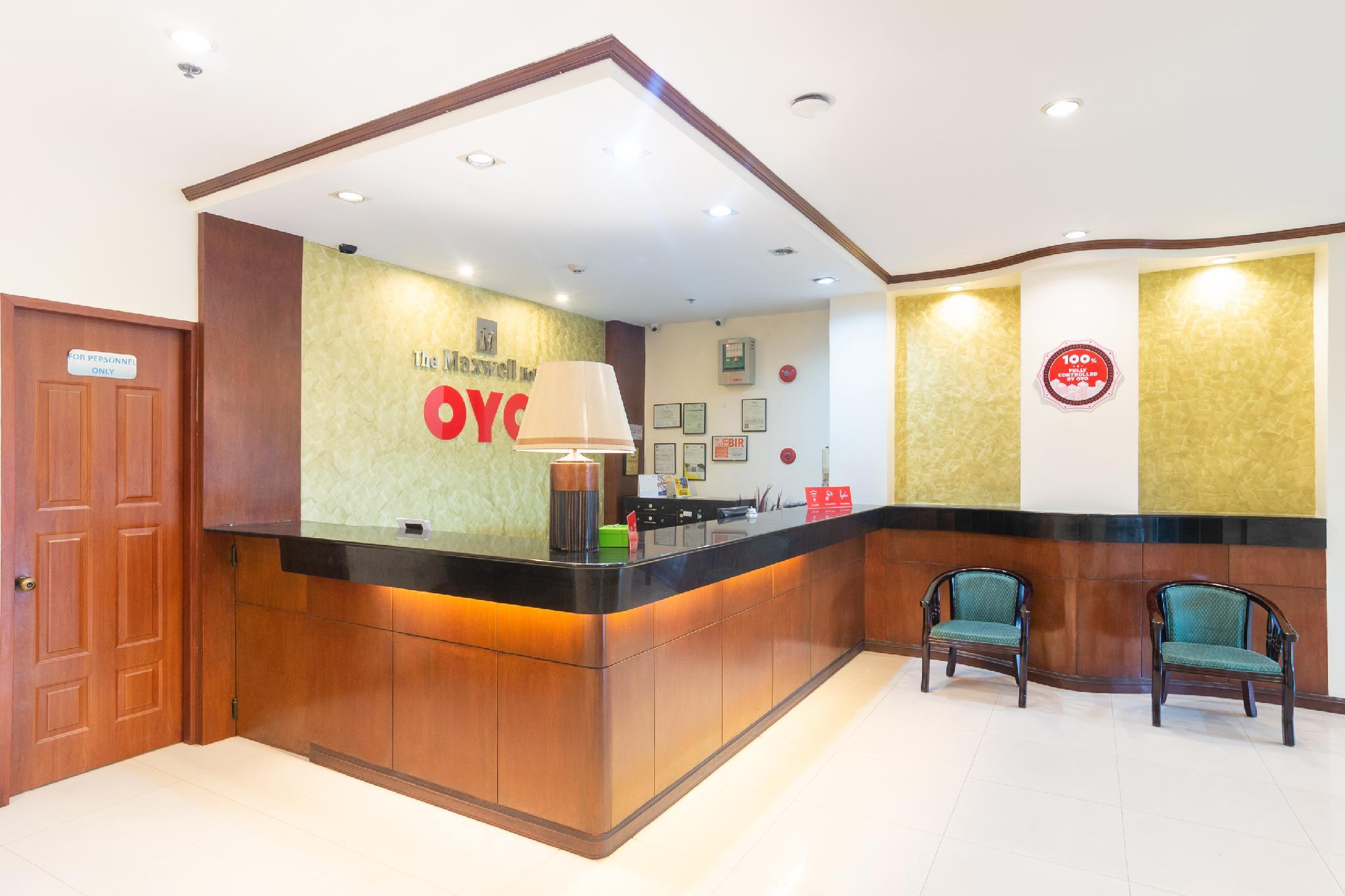 OYO 187 The Maxwell Hotel
